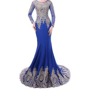 Dresses & Skirts - Lace mermaid gown